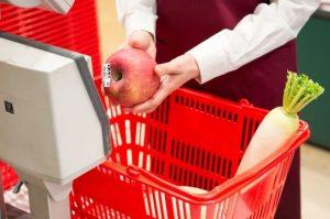 スーパーマーケットのレジ